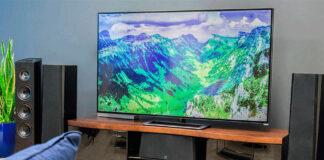 Televisor Smart TV en un living.