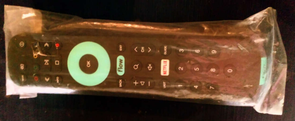 Control remoto de deocdificador 4k de Cablevisión Flow. Foto: EL DESTAQUE